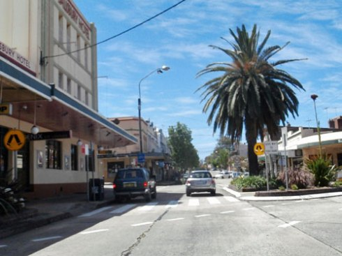 I love the landscaping & street trees in many areas of Stanmore. This work in the shopping strip is very nice work by Marrickville Council.