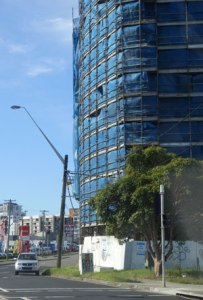 Development on the Prices Highway at Wolli Creek. Notice how it is built right to the footpath boundary on the Princes Highway. It would have been much better if there was a green line if trees dividing the building form the highway.