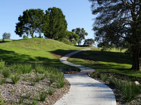 The path through the rain garden & up the hill in Marrickville Golf Course