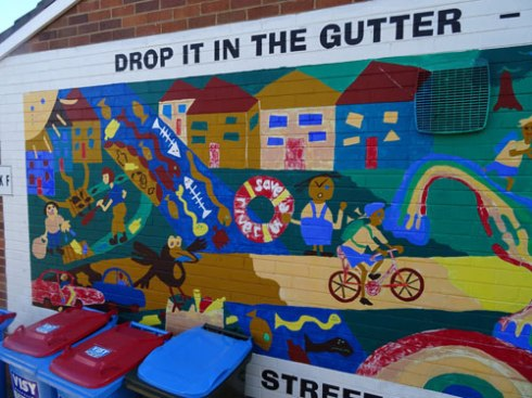 Excellent mural in the grounds of Ferncourt Public School with a very important message for our community.