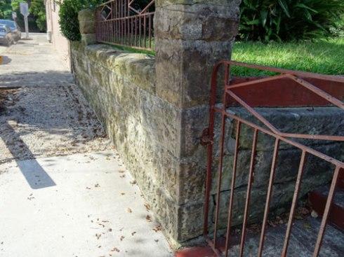 A crack inside the gate.
