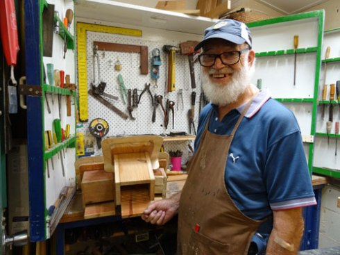 Leonard - amazing microbat box maker.
